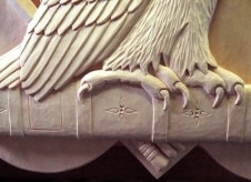 Detail of the owl's feet.